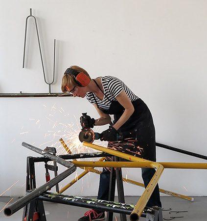 Vanessa Henn im Atelier